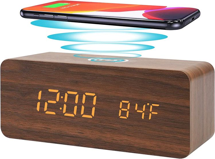 Digital Alarm Clock with Wireless Charging, LED Wood Large Display, Loud Alarm Clock for Heavy Sleepers, with USB Port, 3 Alarm Settings, Date and Temperature Displays, for Bedroom, Bedside