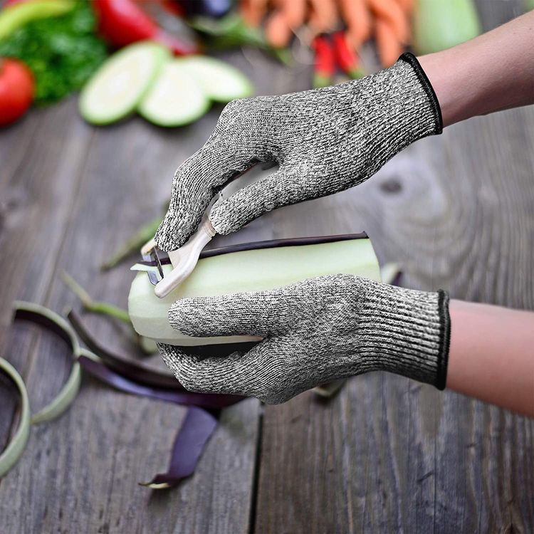EVRIDWEAR Cut Resistant Gloves, Food Grade Level 5 Safety Protection Kitchen Cuts Gloves For cutting, Chopping, Fish Fillet, Mandolin Slicing and Yard-Work (Small, Gray)